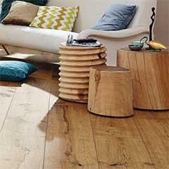 Holzböden und Wandverkleidungen